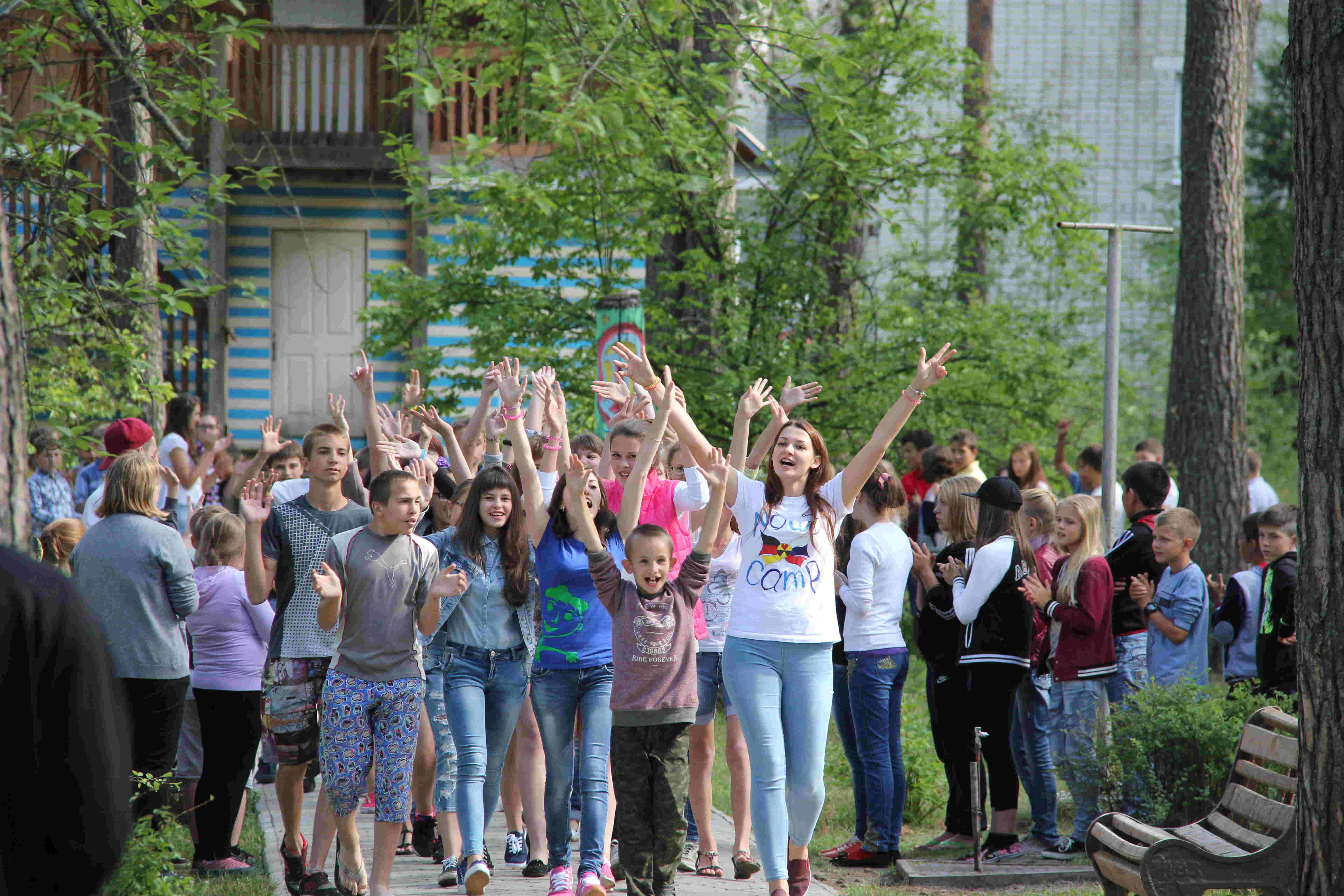 Социально-реабилитационный центр «Радимичи»  продолжает работу с детьми-инвалидами