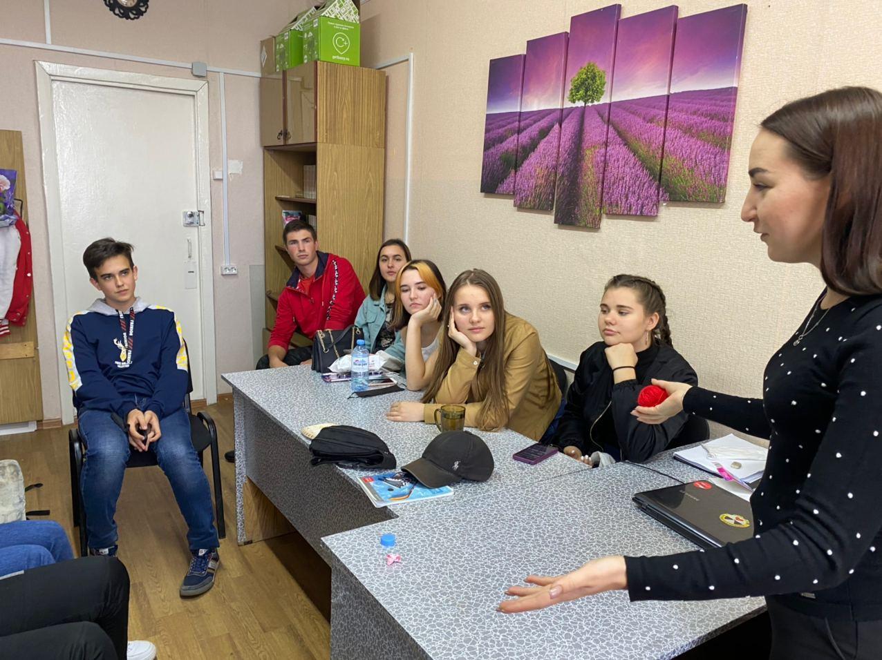 Обучение добровольцев проекта «Активные поколения – время новых возможностей» началось