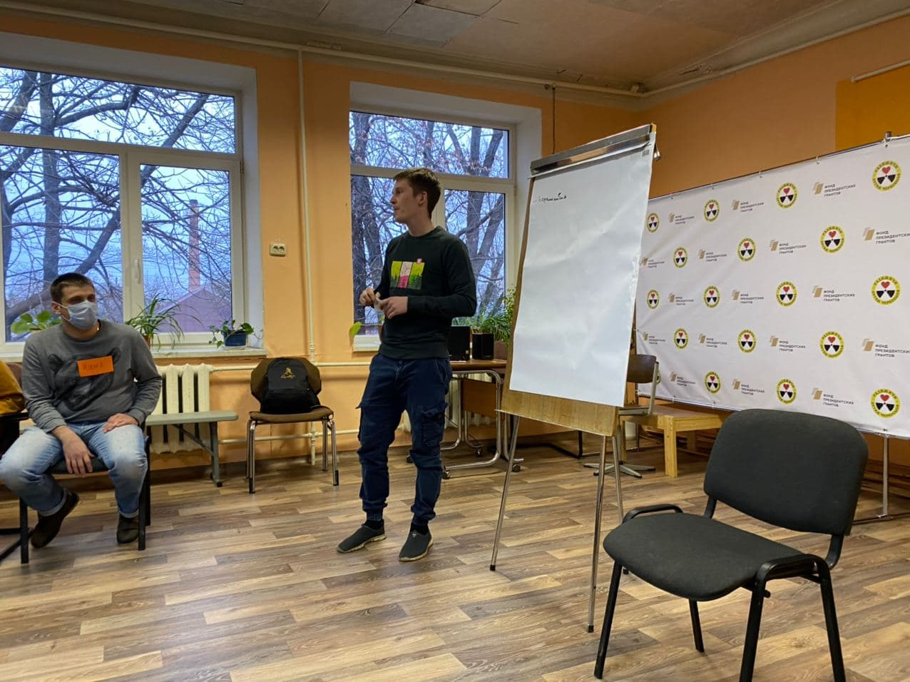 Особенности волонтерской помощи пожилым людям изучают на занятиях Добровольческой службы «Радимичи»