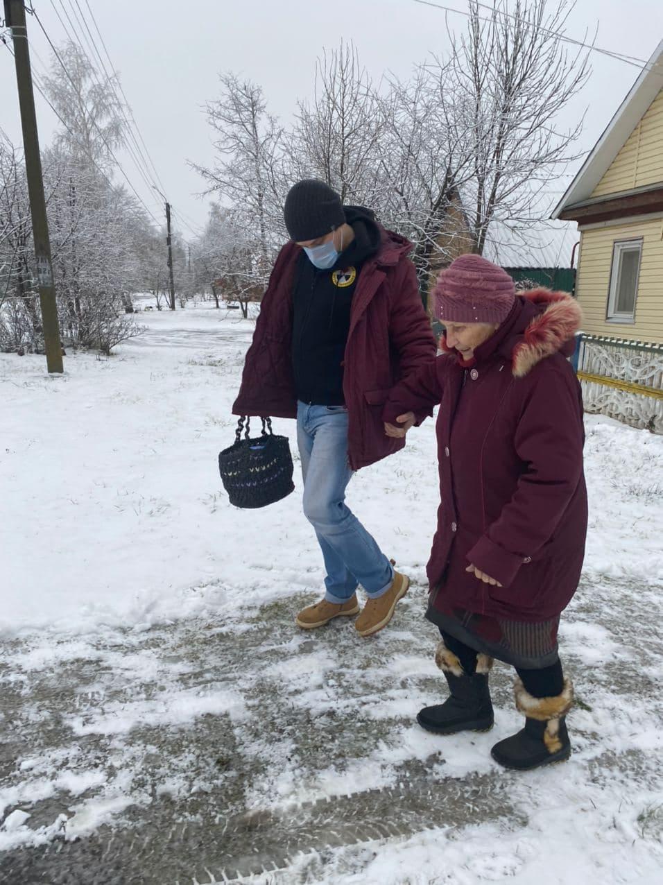 Самые уязвимые — в декабре добровольцы-радимичи продолжают активно оказывать помощь пожилым людям, проживающим в деревнях и небольших городах Брянской области