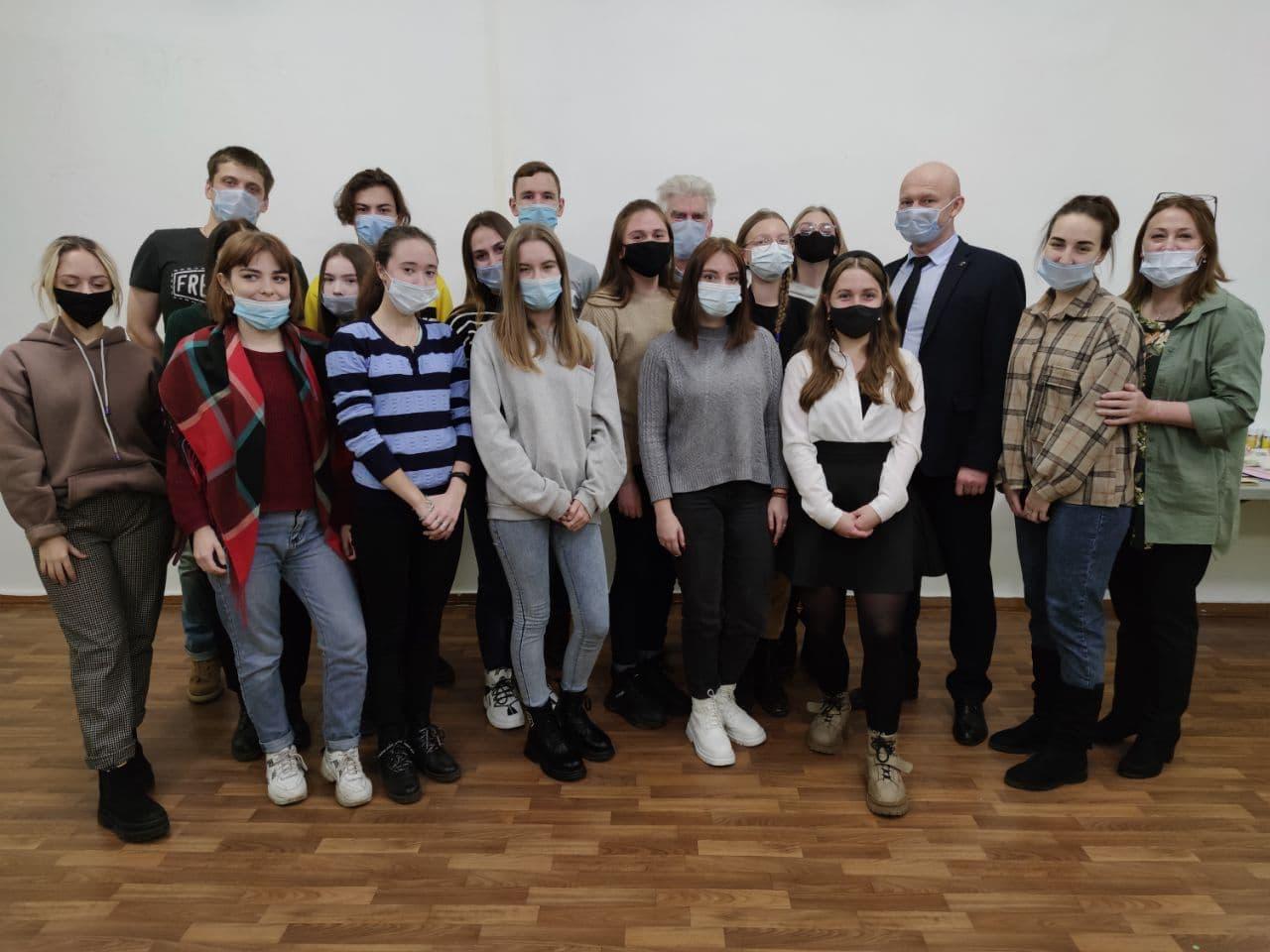 Зам. губернатора Брянской области Александр Коробко посетил ресурсный центр «Радимичи».