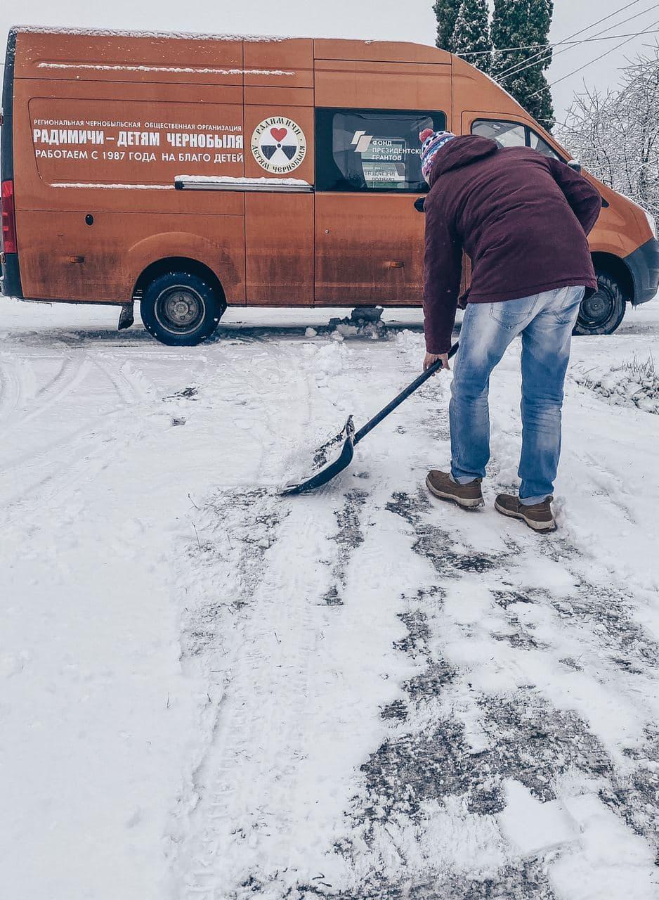 Самые уязвимые — как добровольцы-радимичи помогают пожилым людям в Брянской области. Куда обратиться за помощью?