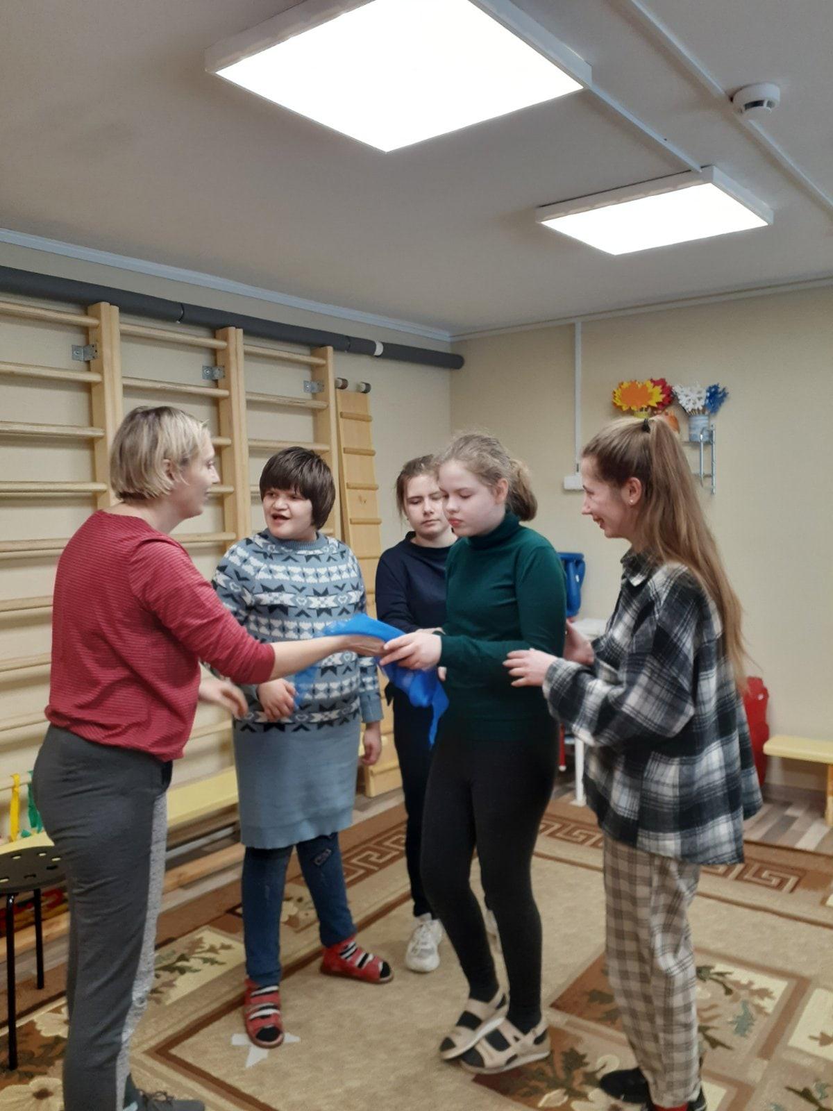 Стажировка волонтеров в специальном центре развития детей «Гармония»