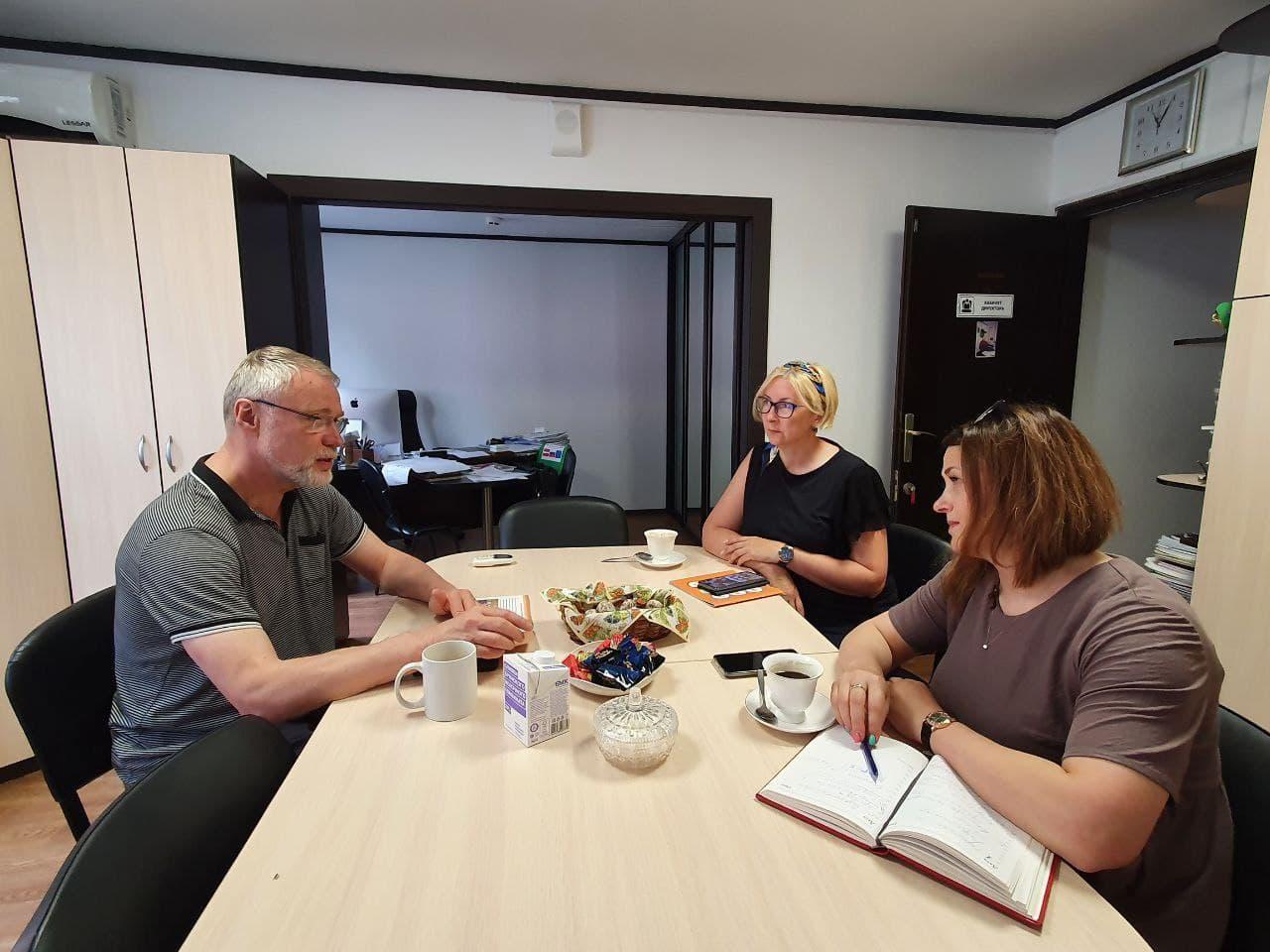 Сотрудники-радимичи с дружественным визитом посетили центр лечебной педагогики в городе Псков.